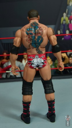 wwe elite hall of champions batista figure review - rear