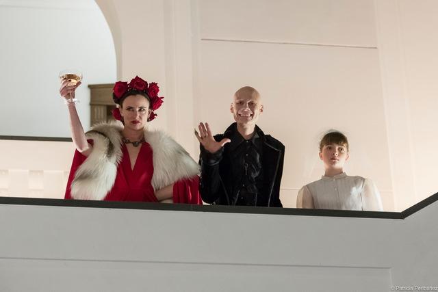dreamland review - juliette lewis, tomas lemarquis
