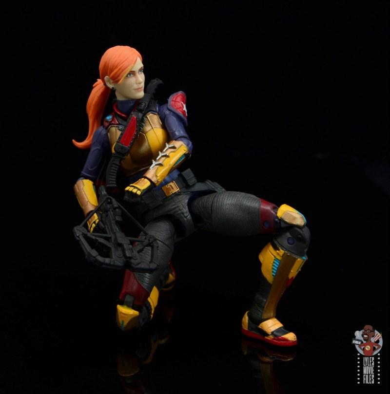 gi joe classified scarlett figure review - reloading crossbow