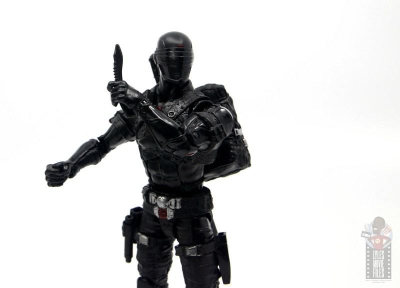 gi joe classified series snake eyes figure review - holding knife up