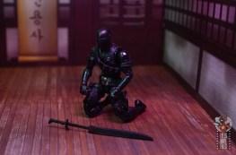 gi joe classified series snake eyes figure review - sheathing sword