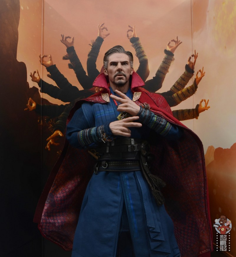 hot toys avengers infinity war doctor strange figure review -backdrop close-up