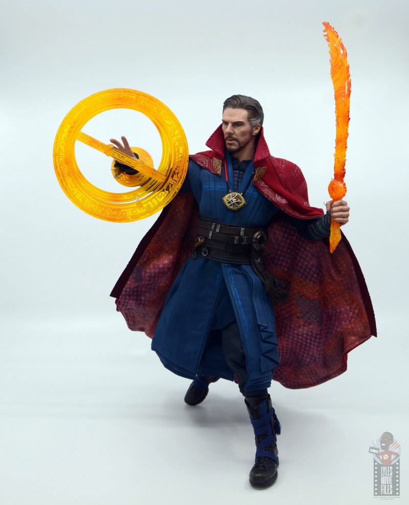 hot toys avengers infinity war doctor strange figure review -larger effect and sword