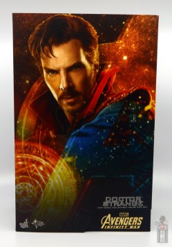 hot toys avengers infinity war doctor strange figure review -package front