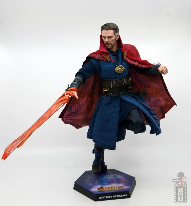 hot toys avengers infinity war doctor strange figure review -with mystic ropes