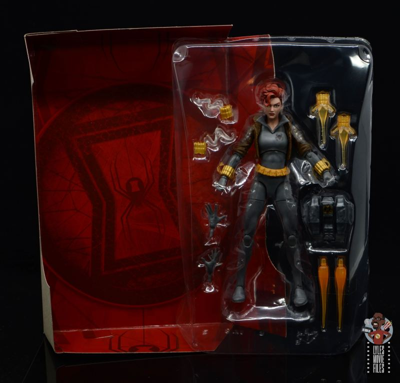 marvel legends black widow wal-mart exclusive figure review - accessories in tray