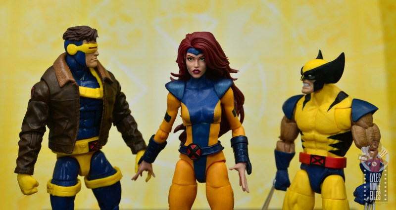 marvel legends cyclops, jean grey and wolverine set review - cyclops and wolverine glaring