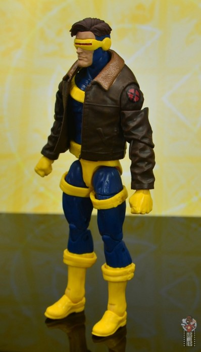 marvel legends cyclops, jean grey and wolverine set review - cyclops left side