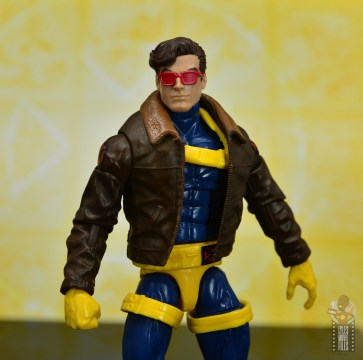 marvel legends cyclops, jean grey and wolverine set review - cyclops with vintage goggles
