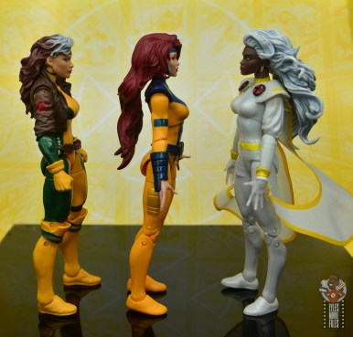 marvel legends cyclops, jean grey and wolverine set review - jean grey facing rogue and storm