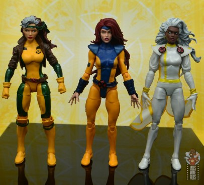 marvel legends cyclops, jean grey and wolverine set review - jean grey scale with rogue and storm