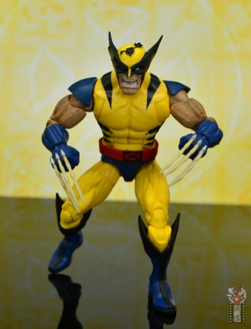 marvel legends cyclops, jean grey and wolverine set review - wolverine charging