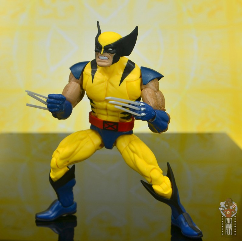 marvel legends cyclops, jean grey and wolverine set review - wolverine ready for battle