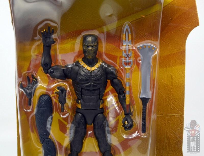 marvel legends erik killmonger figure review - accessories in tray