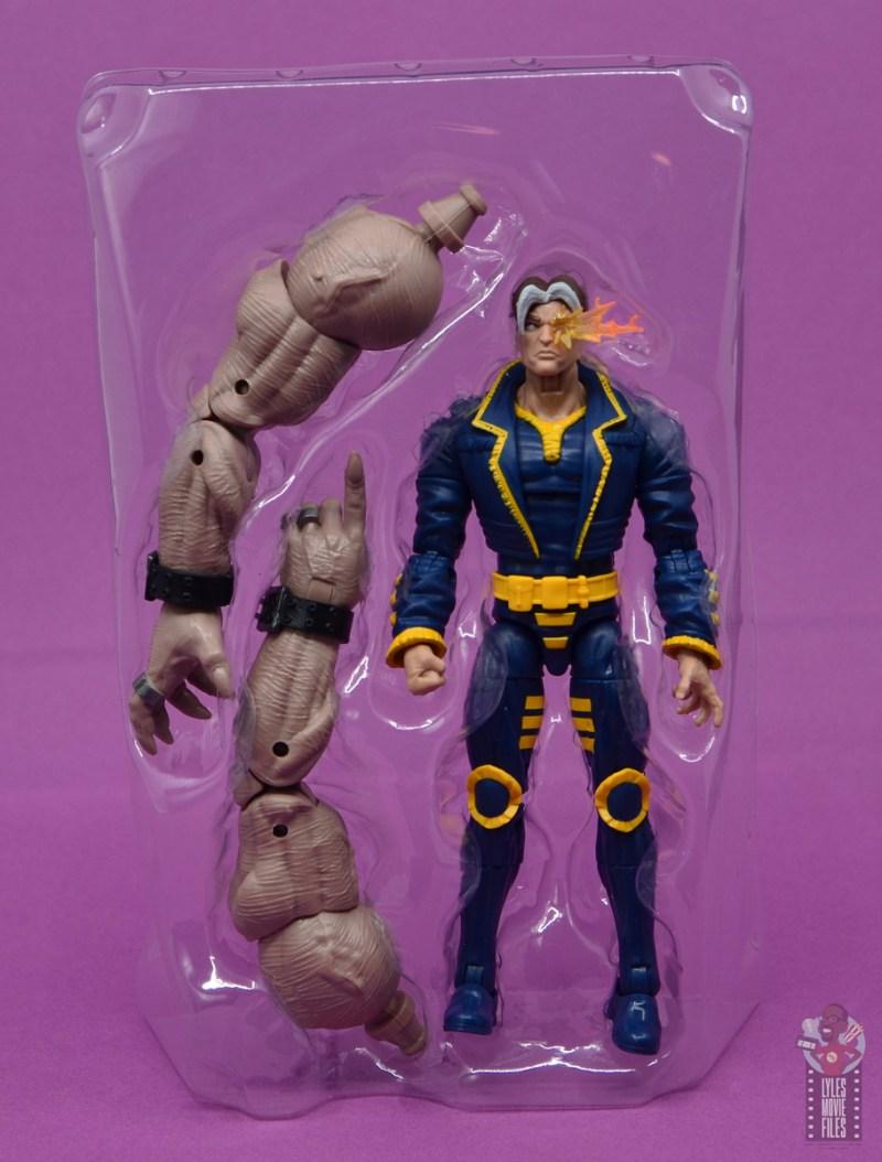 marvel legends x-man figure review - accessories