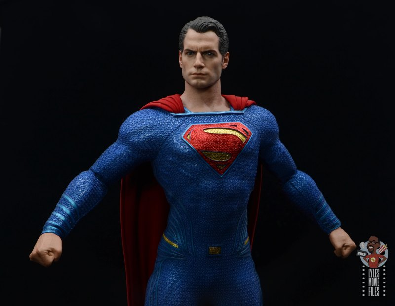 hot toys justice league superman figure review - arms out