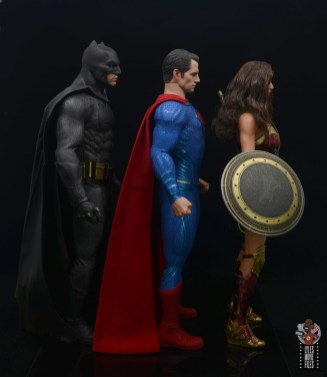hot toys justice league superman figure review - facing batman and wonder woman