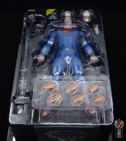 hot toys justice league superman figure review - inner tray