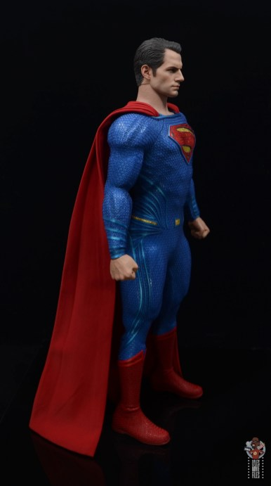 hot toys justice league superman figure review - right side