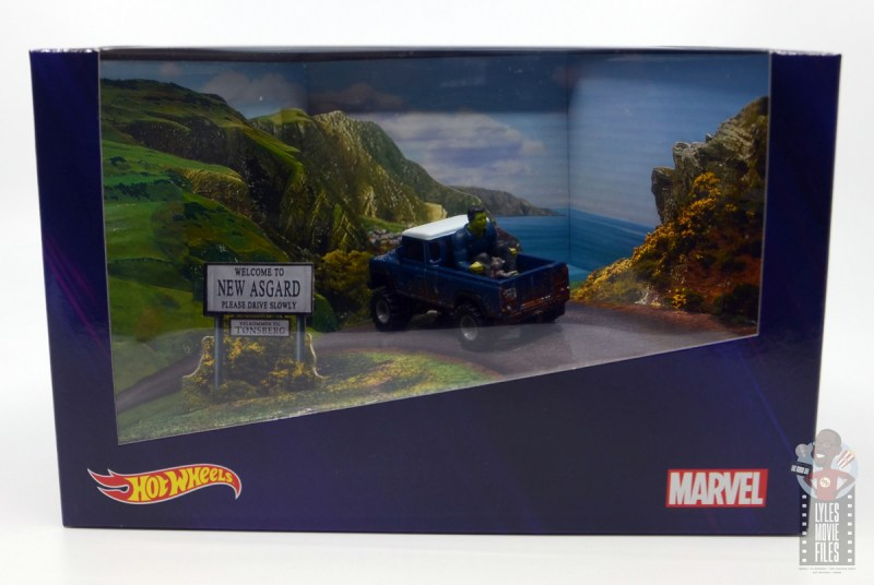 Hot Wheels Marvel Land Rover Defender 110 Pickup Truck with Hulk and Rocket review - box