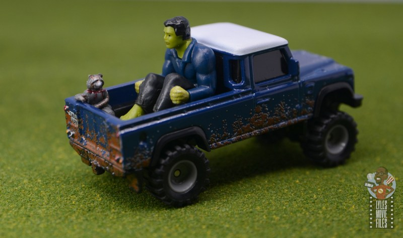 Hot Wheels Marvel Land Rover Defender 110 Pickup Truck with Hulk and Rocket review - wide shot
