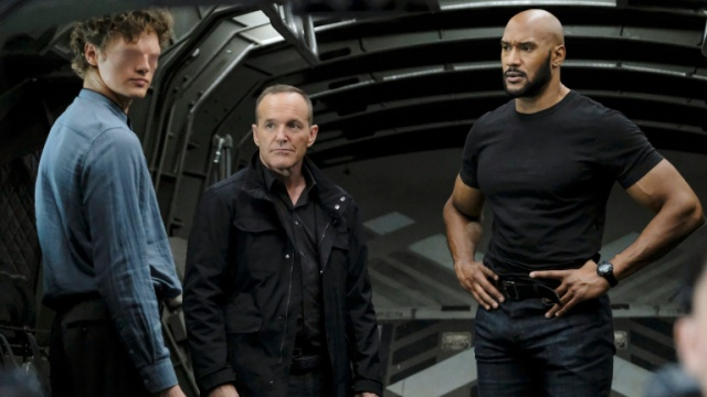 agents-of-shield-stolen-review-gordon-coulson-and-mack
