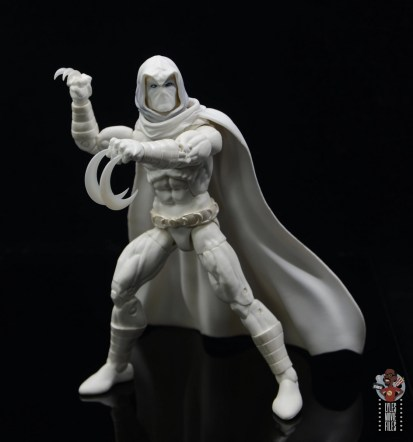 marvel legends moon knight figure review - holding weapons