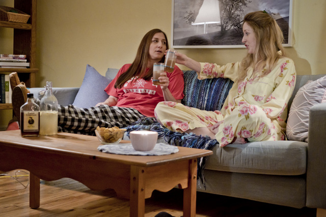 spinster review - chelsea peretti and susan kent