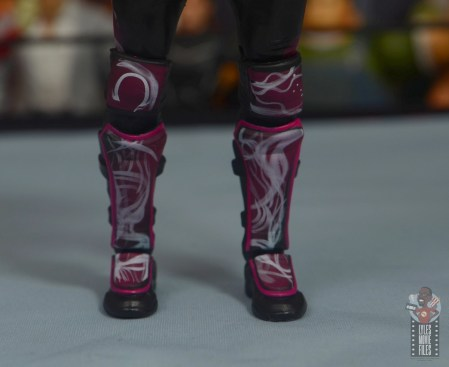 aew unrivaled kenny omega figure review - airbrush boot design