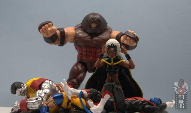 marvel legends storm and thunderbird figure review -classic xmen 10 cover juggernaut over x-men