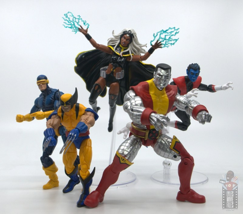 marvel legends storm and thunderbird figure review -storm with cyclops, wolverine, colossus and nightcrawler