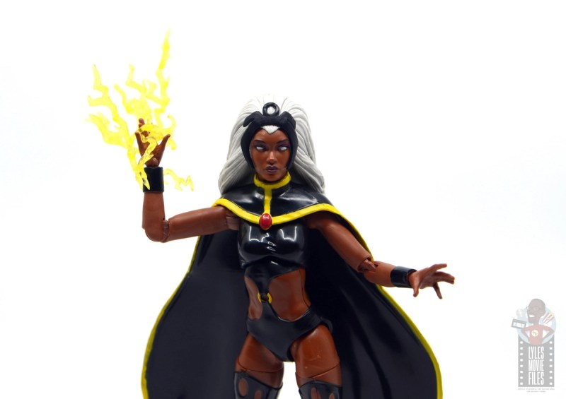 marvel legends storm and thunderbird figure review - storm with lightning effect accessory