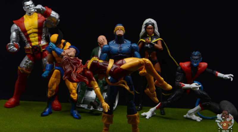marvel legends storm and thunderbird figure review -x-men mourn the death of dark phoenix