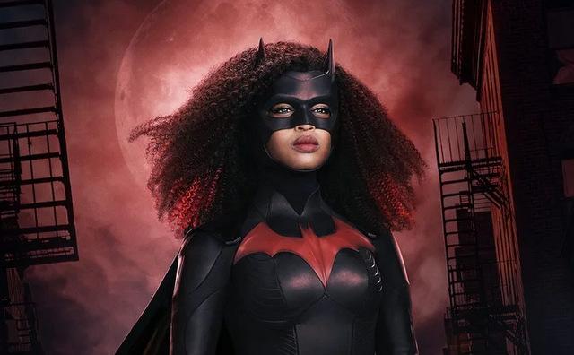Batwoman Javicia Leslie's New Costume
