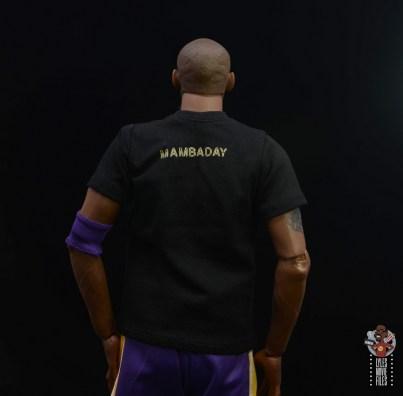 enterbay nba masterpiece kobe bryant figure review - mamba day shirt back