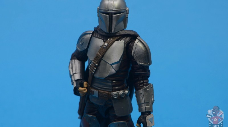 star wars the black series the mandalorian beskar armor figure review - main pic