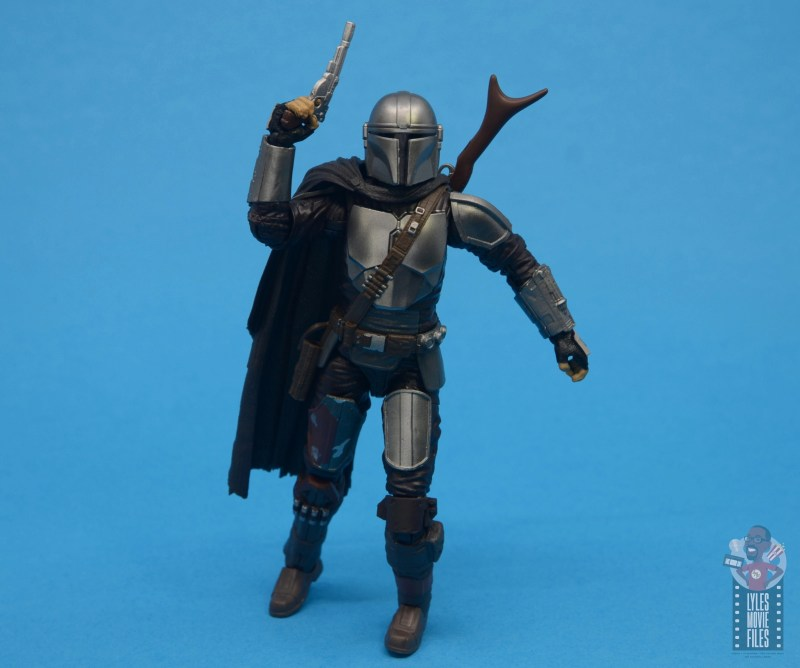 star wars the black series the mandalorian beskar armor figure review - on the move