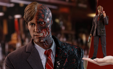 hot toys the dark knight two face