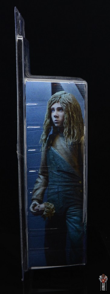 neca aliens newt figure review - package right side