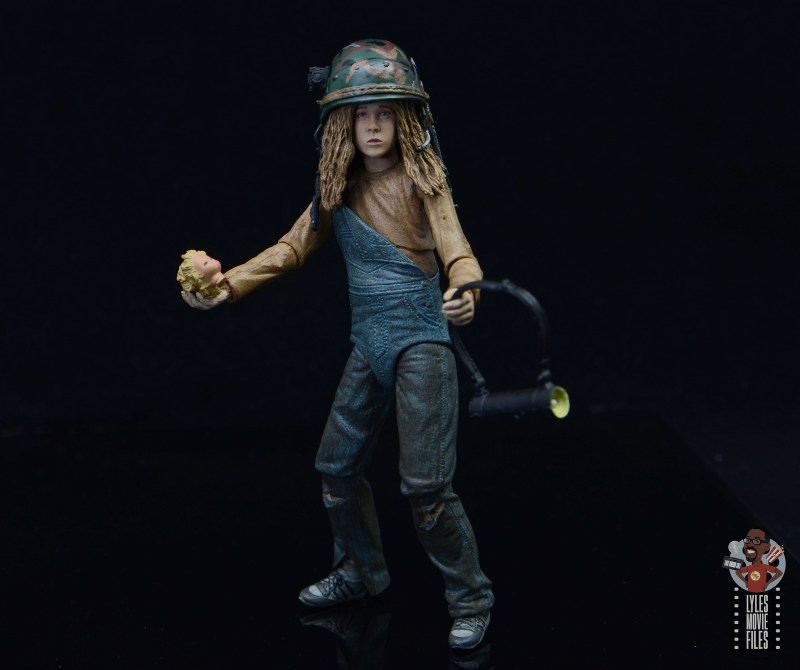 neca aliens newt figure review - with all accessories