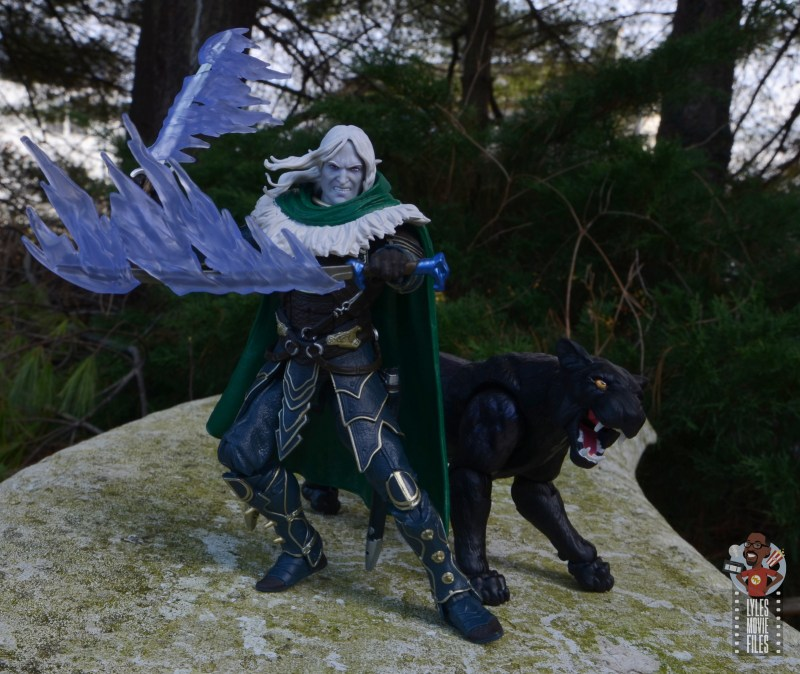 dungeons and dragons drizzt and guenhwyvar figure review - blade effects