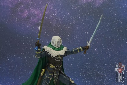 dungeons and dragons drizzt and guenhwyvar figure review - lifting up the swords