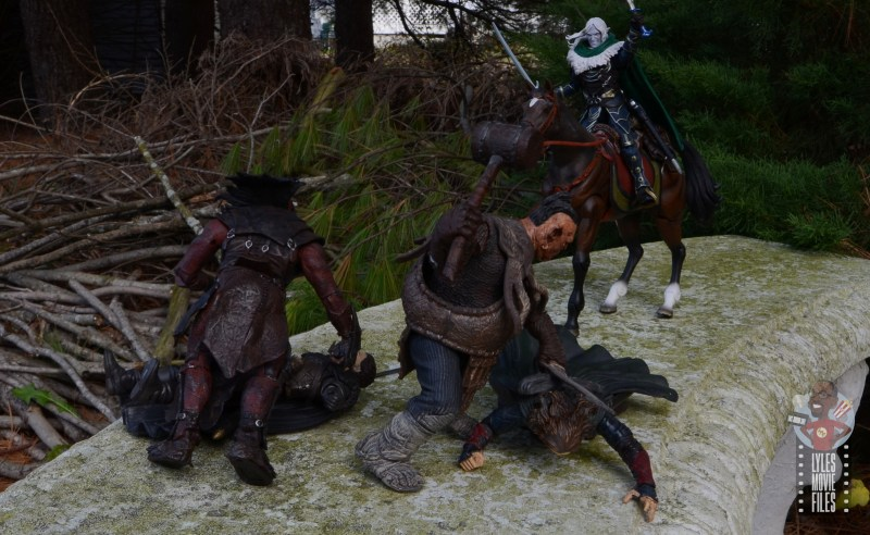 dungeons and dragons drizzt and guenhwyvar figure review - riding in for the save