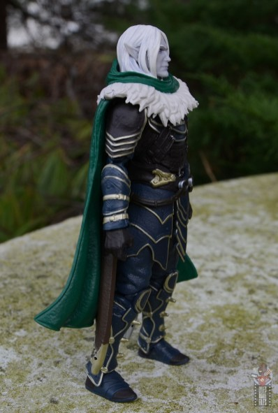 dungeons and dragons drizzt and guenhwyvar figure review - right side