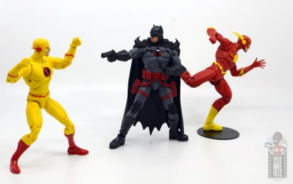 mcfarlane toys dc multiverse flashpoint batman figure review - flashpoint finale vs reverse flash