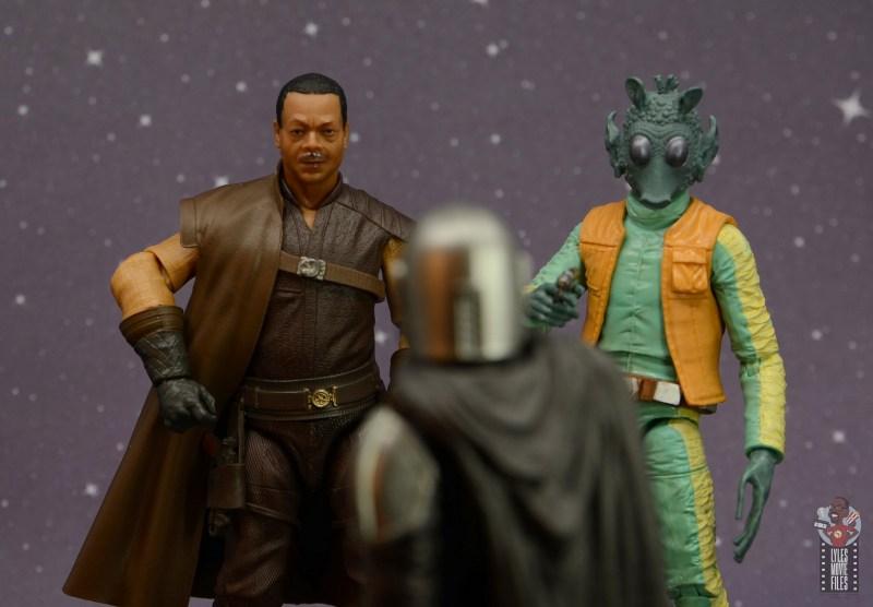 star wars the black series greef karga figure review - cornering mando with greedo