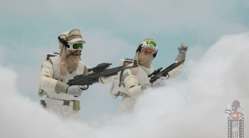 star wars the black series hoth trooper figure review - bracing for the assault