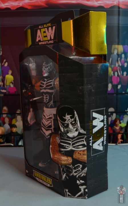 aew-unrivaled-pentagon-jr-figure-review-package-left-side