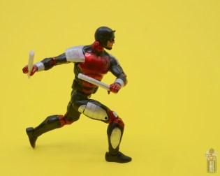 marvel legends retro vintage daredevil figure review -pivoting
