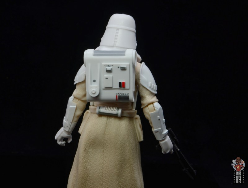 star-wars-the-black-series-imperial-snowtrooper-figure-review-backpack-detail